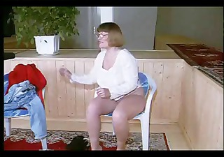 Chubby mature German amateur nerd gets naked and