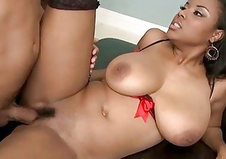 Big ass black MILF got nailed by big fat boner